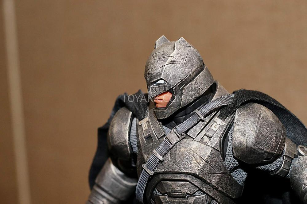SDCC2015-DC-Collectibles-Batman-v-Superman-004.jpg