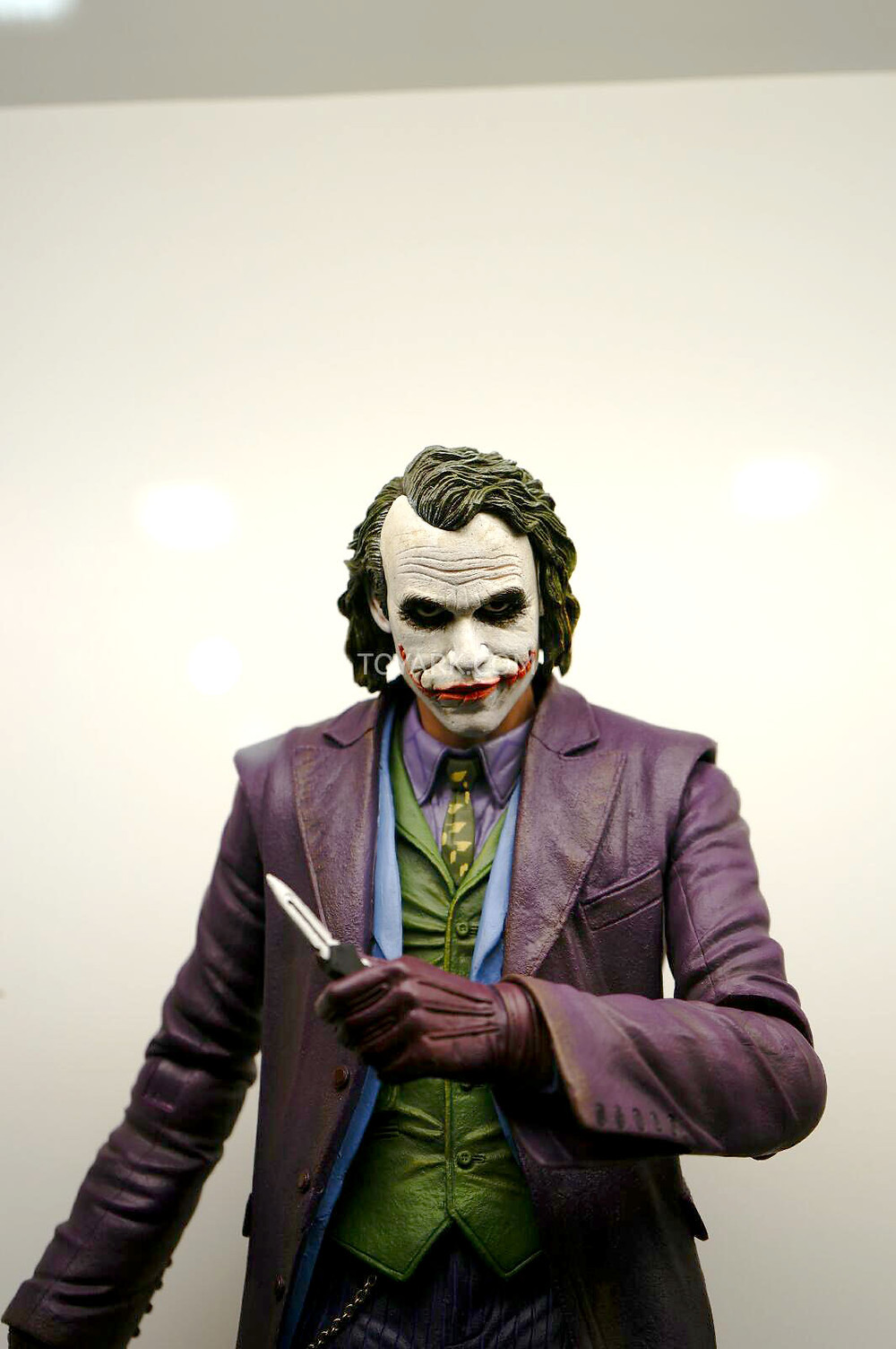 SDCC-2014-NECA-Quarter-Scale-Figures-005.jpg