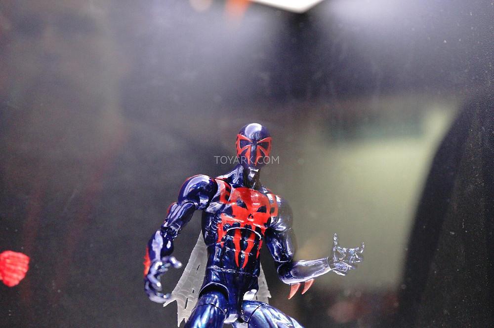 SDCC-2014-Spider-Man-2099-Marvel-Legends-IS-003.jpg