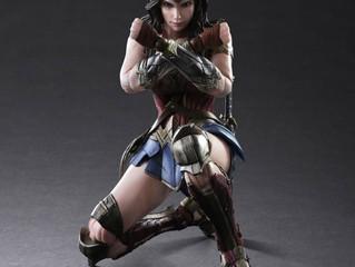 Batman Vs Superman - Wonder Woman Play Arts Figure