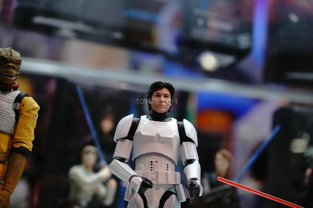 SDCC-2014-Hasbro-Friday-Star-Wars-Black-Series-006.jpg