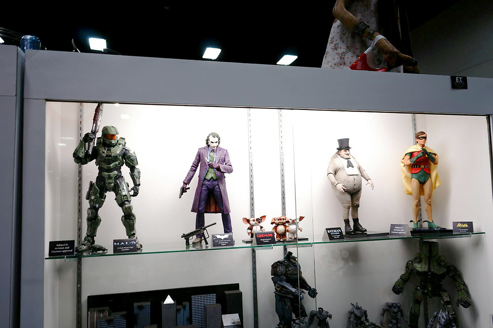 SDCC-2014-NECA-Quarter-Scale-Figures-001.jpg