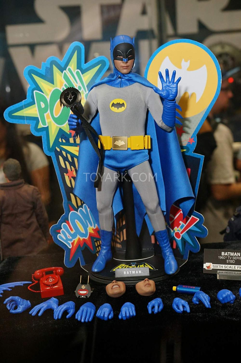 SDCC2015-Hot-Toys-Batman-Line-006.jpg