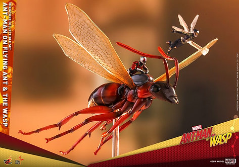 Ant-Man and the Wasp - Ant-Man on Flying Ant & the Wasp Set