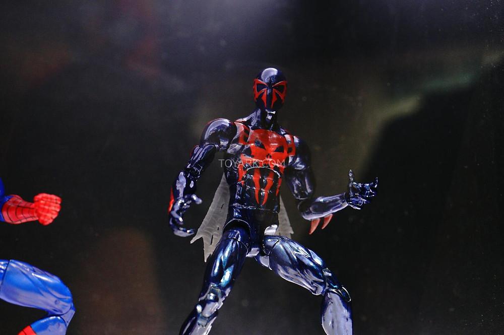 SDCC-2014-Spider-Man-2099-Marvel-Legends-IS-004.jpg