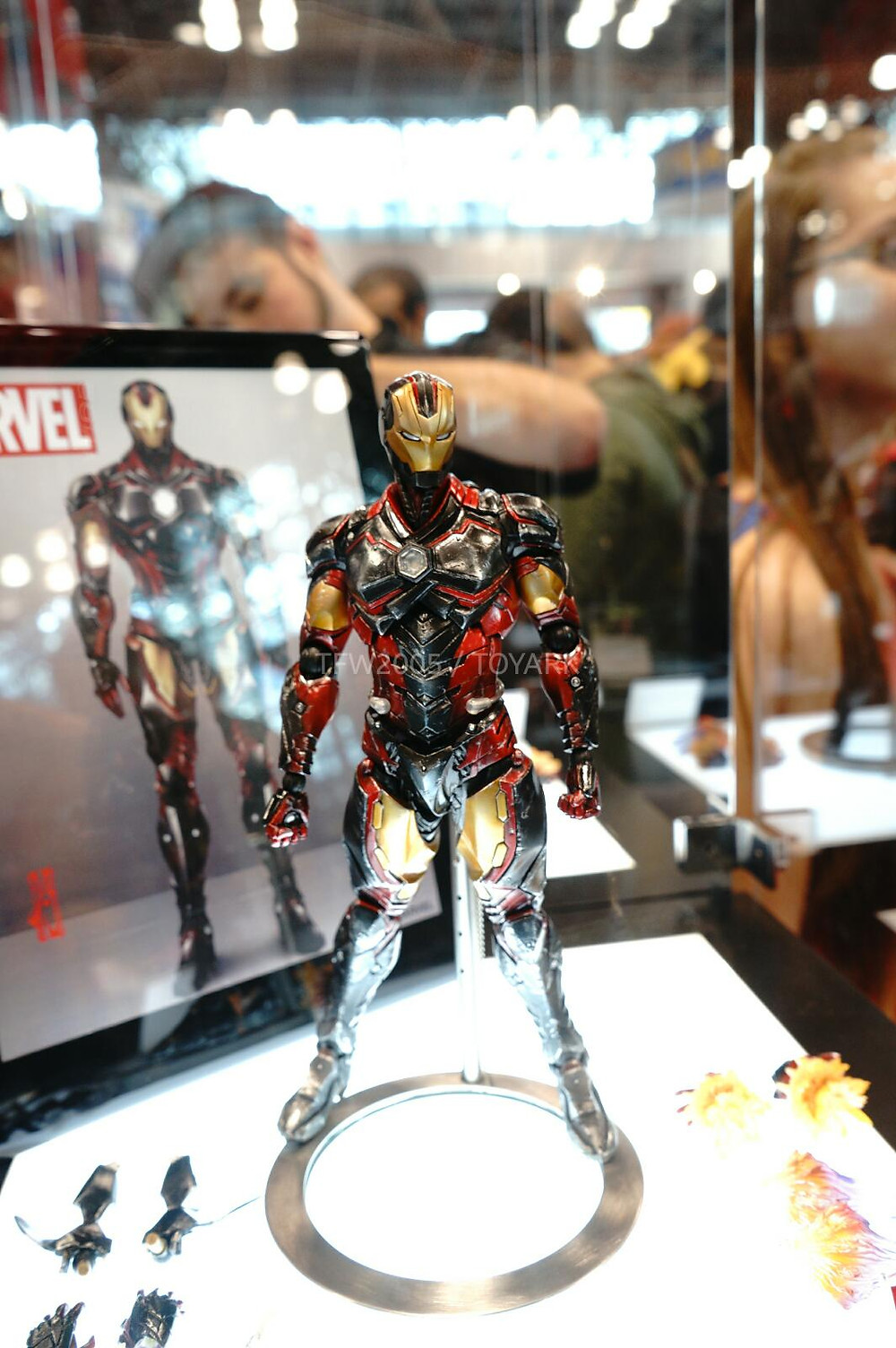 NYCC-2014-Play-Arts-Kai-Marvel-002.jpg