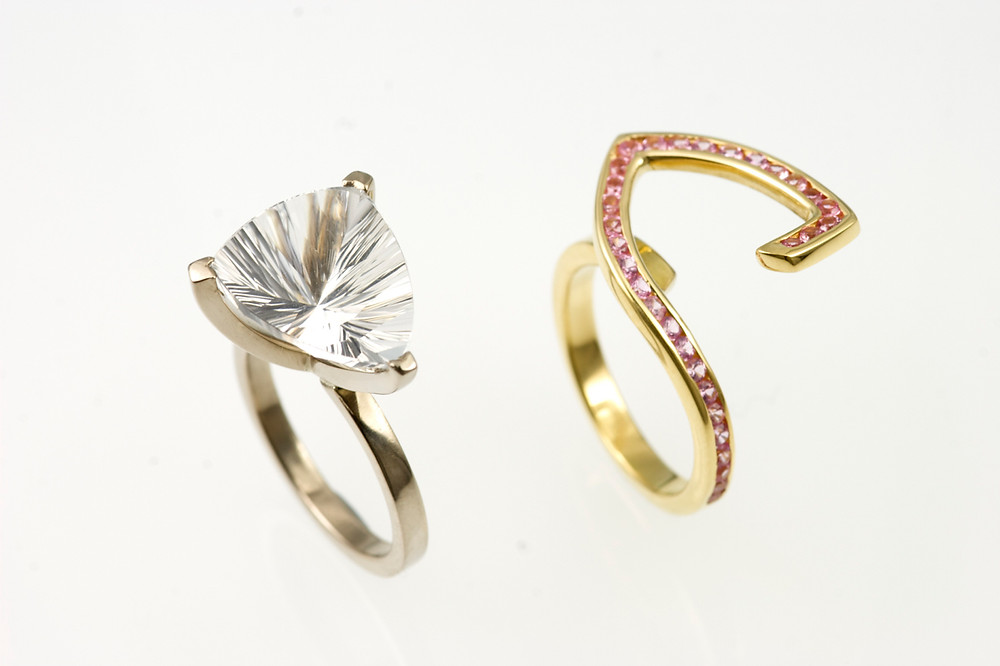 18kt yellow and white gold ring, concave cut clear topaz, pink sapphires