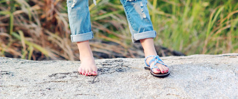 Braided sandals by nittynice in blue and white colors