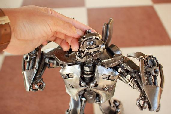 30cm Bumblebee scrap metal sculpture zoom head