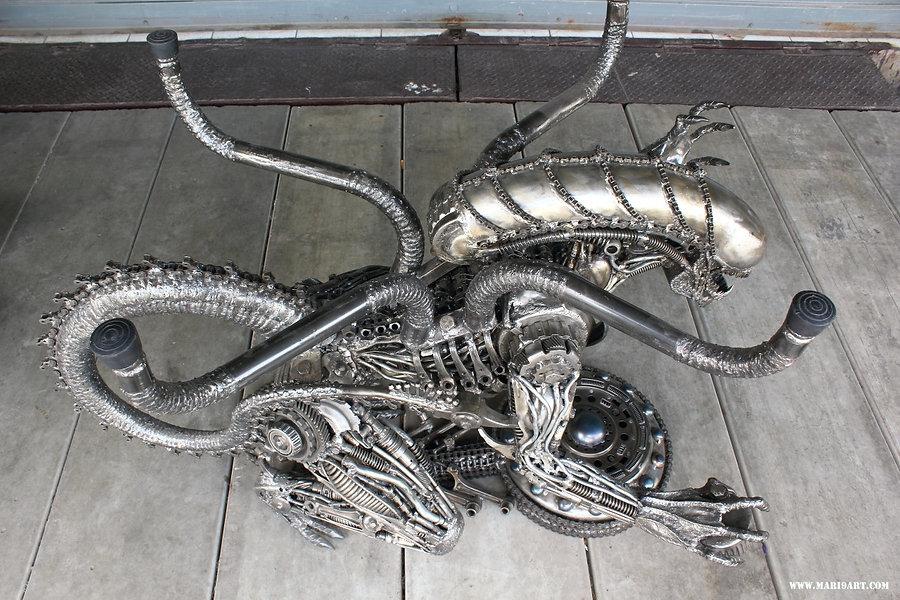 Alien Predator metal sculpture table