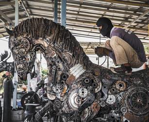 Horse welding sculpture scrap metal art sculpture