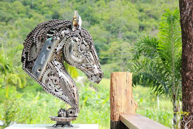 Horse head scrap metal artwork right 3