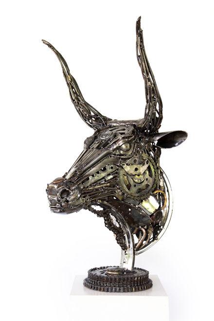 bull metal art scupture
