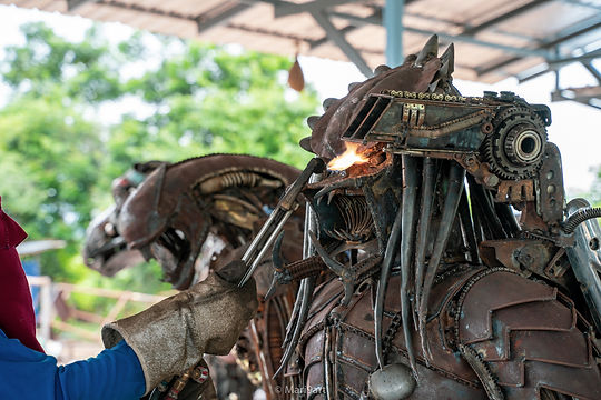 recycle scrap metal predator artwork
