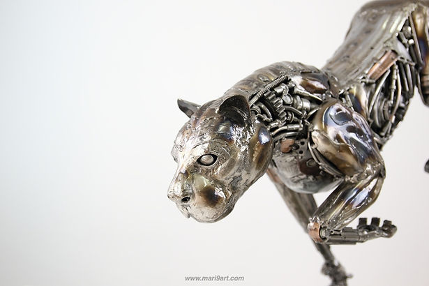 Lion metal sculpture