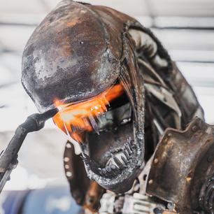 alien scrap metal sculpture-15 2.jpg