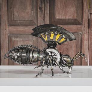 Bee scrap metal art sculpture