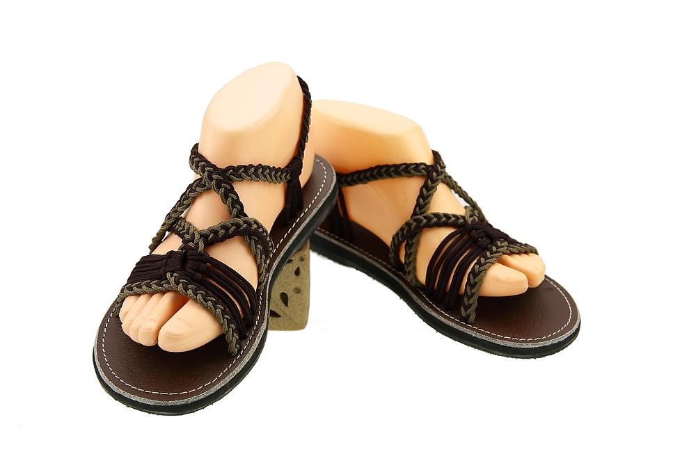 Braided sandals dark brown grey emmy style