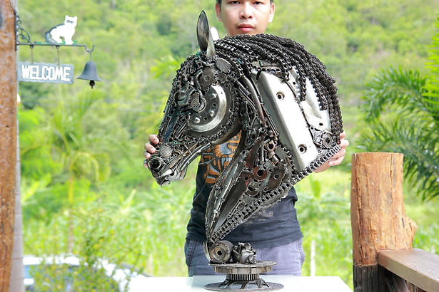 Horse head scrap metal artwork size compare left 6