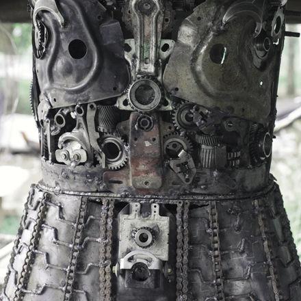 Scrap metal sculpture on the way making