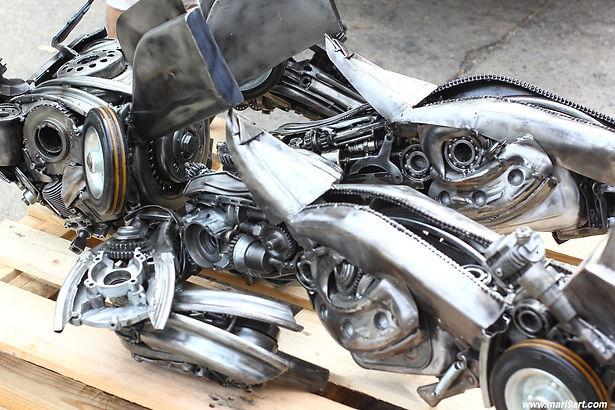 Transformer movie inspired metal sculpture, take a part