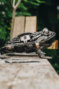 Frog metal sculpture