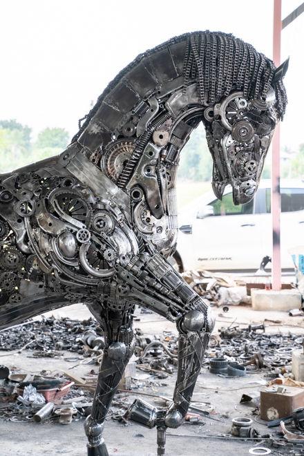 Horse life size scrap metal art sculptur right head part