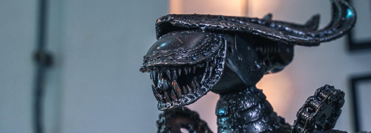 alien predator metal sculpture by mari9a
