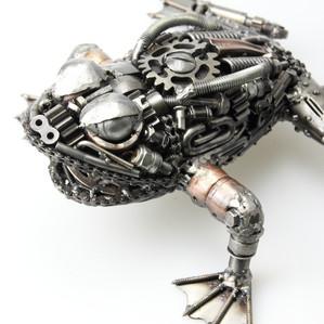 Frog metal art