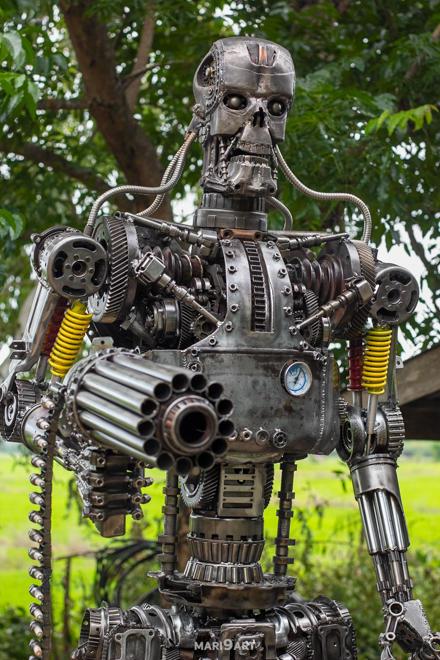 Terminator metal sculpture 2.2meter