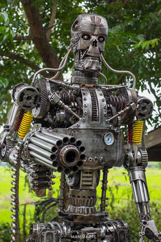 Terminator metal sculpture 2.2meter