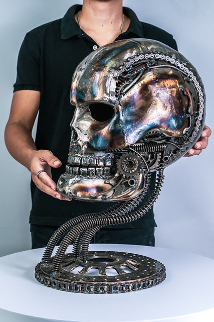 skull metal sculpture by mari9art.jpg