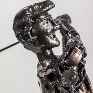 golf man scrap metal sculpture_-4.jpg