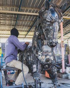 Horse life size making scrap metal art sculpture