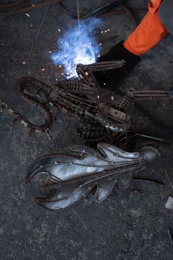 making alien scrap metal sculpture by mari9art