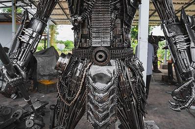 predtor metal art body