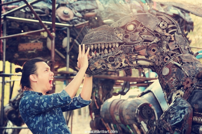 Raptor Metal art sculpture