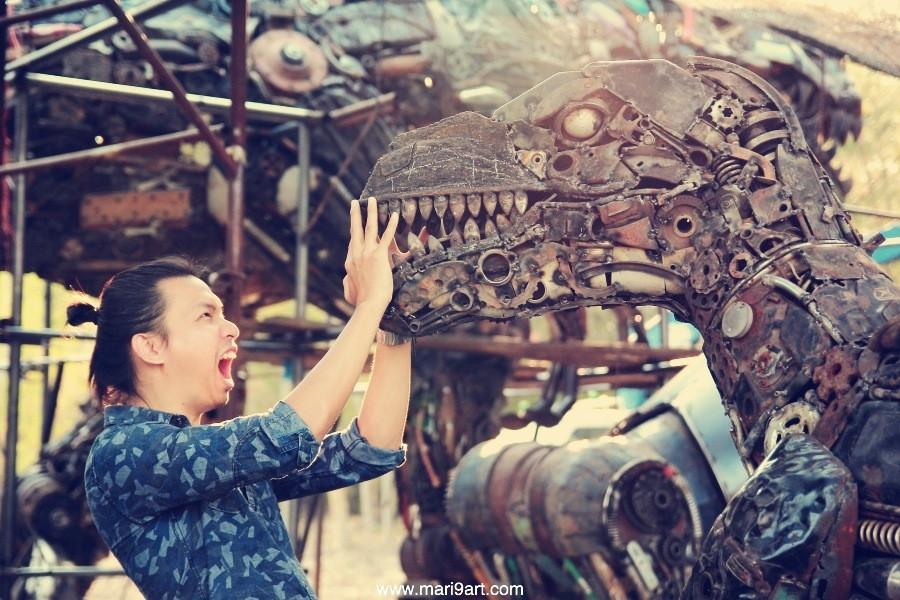 raptor metal sculpture