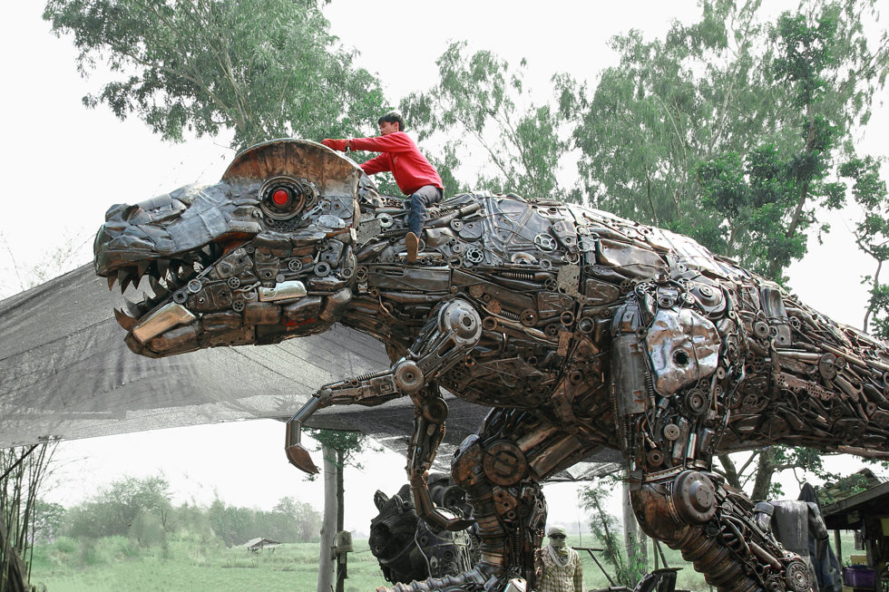 Metal art trex dinosaur life size