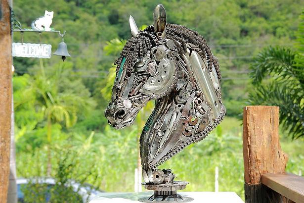 Horse head scrap metal artwork left 2