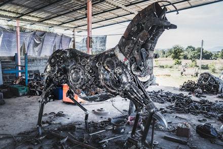 Making Horse life size scrap metal art sculpture