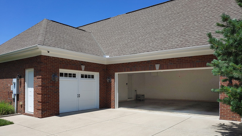 garage.cropped.jpg