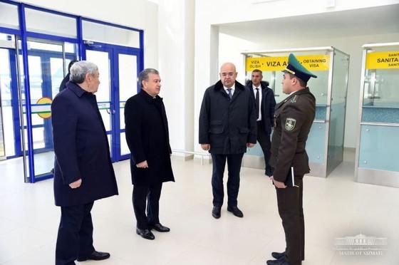Мирзияева прикарманил 10 миллиардов долларов США от продажи  Каракалпакского газа и срочно приехал в