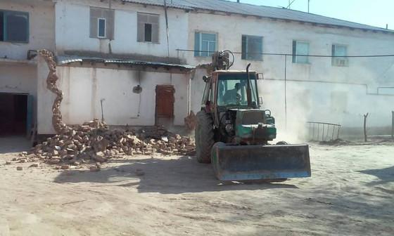 Правительство Узбекистана продолжает незаконный снос пристроек жителей Республики Каракалпакстан