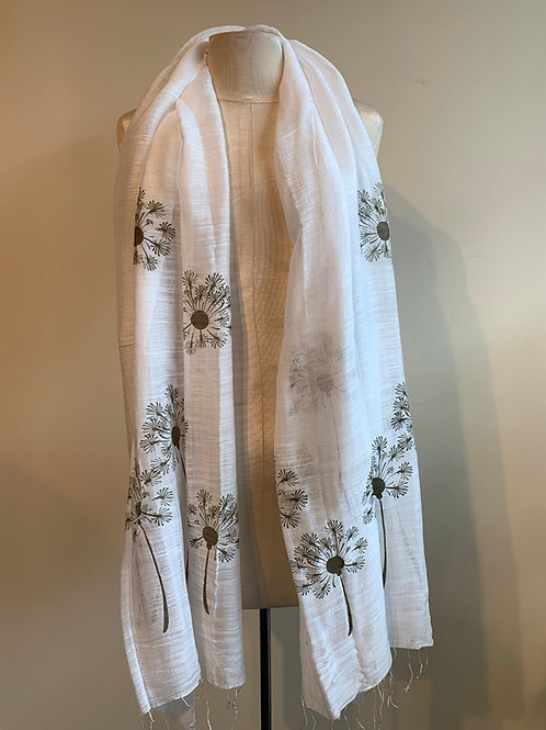Dandelion Scarf in White