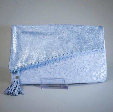 Clutch hellblau, 26x16. 50€.jpg