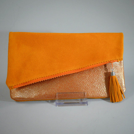 Clutch_orange_26x16,_50€_.jpg