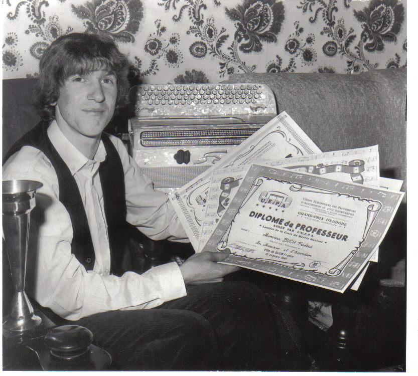 Frédéric obtient son diplôme