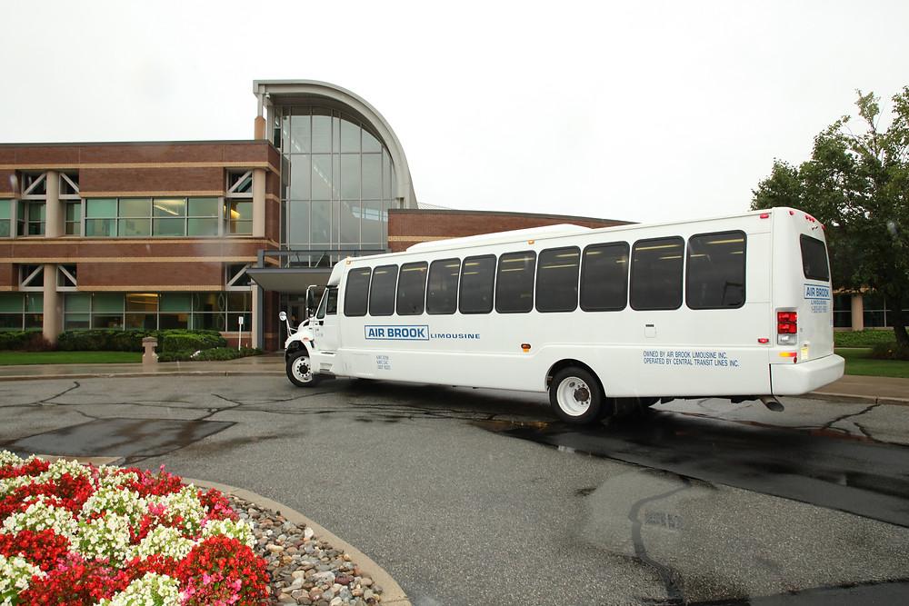 stryker mahwah shuttle bus