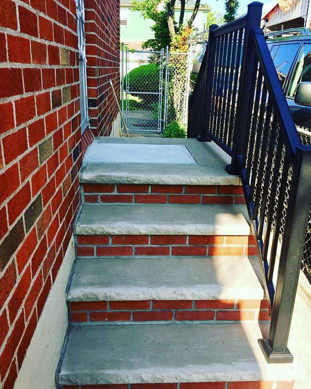 Side Railings #knockoutmasonrycorp #kokid #jimmyjr1219 #ozonepark